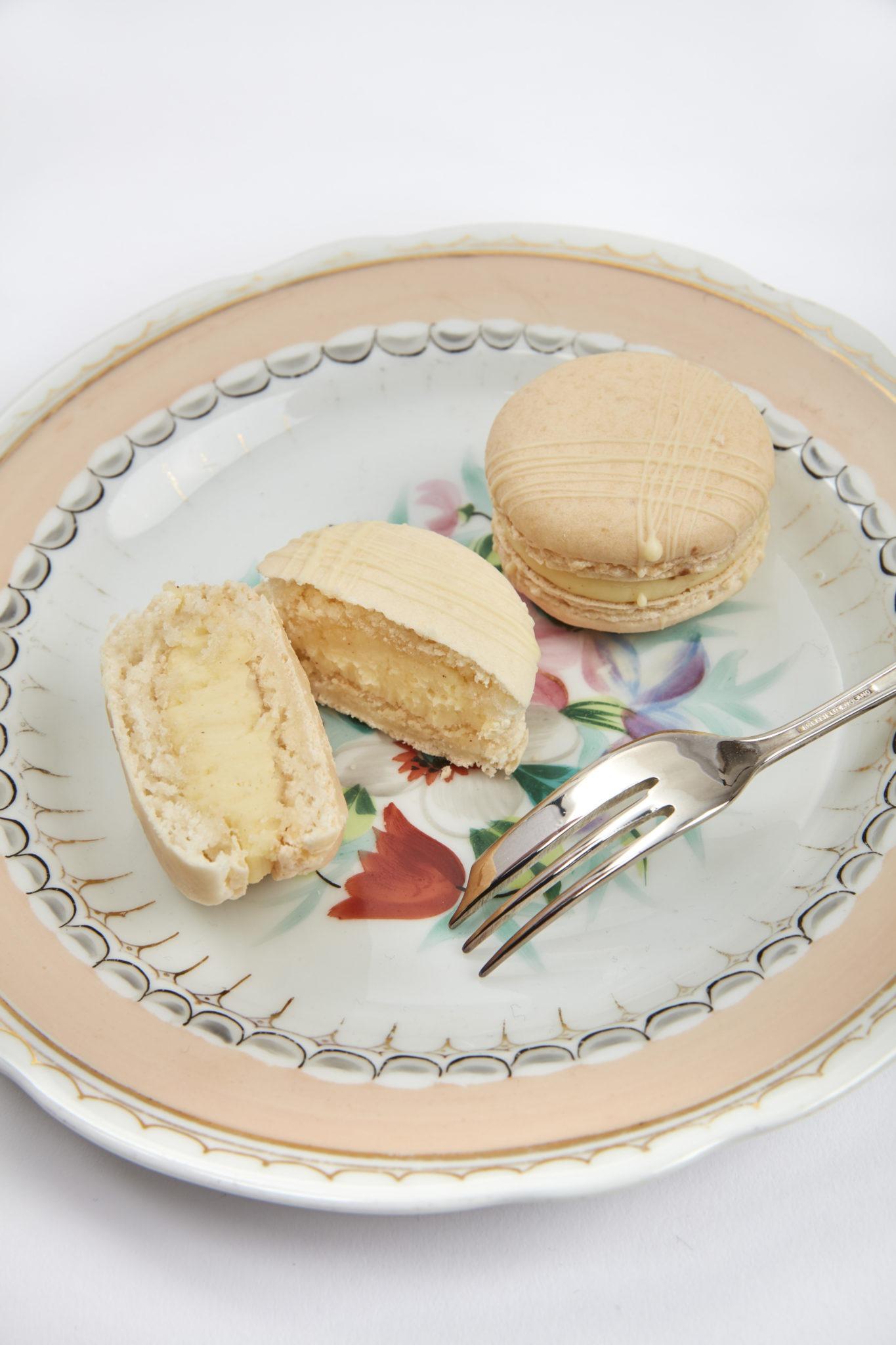 Macaron Vanilla White Chocolate Creme Fraiche | Clare Anne Taylor Couture Cakes