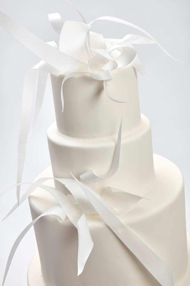 Minimalist Statement | Clare Anne Taylor Couture Cakes