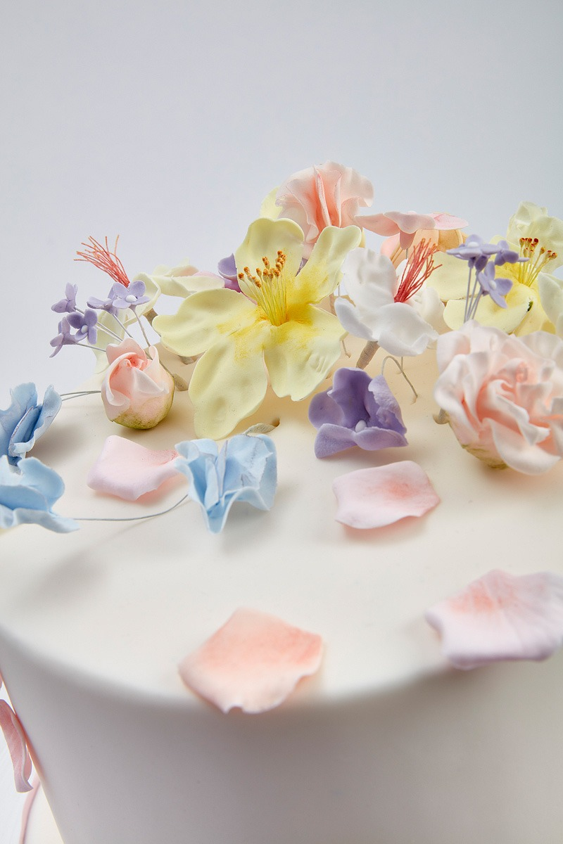 Windblown Blossoms | Clare Anne Taylor Couture Cakes